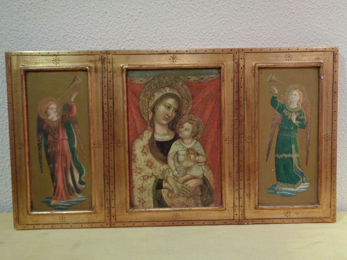 Byzantine Icon Triptych of Virgin Mary and Child Jesus with two angels -  20th century - 70 x 38 cm