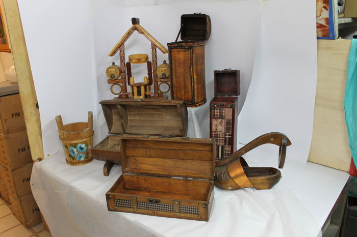 Lot consisting of 7 wooden bottle holders in various sizes
