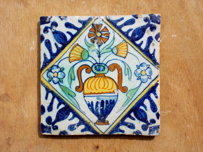 Rare, super intact tile with a flower vase, Holland, ca. 1620-1640