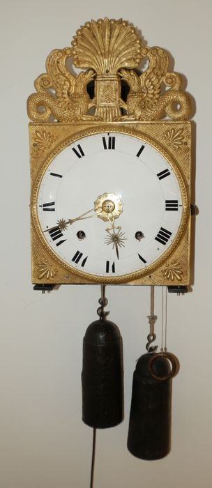 Comtoise clock with griffin feuille and sun hands - ca. 1830