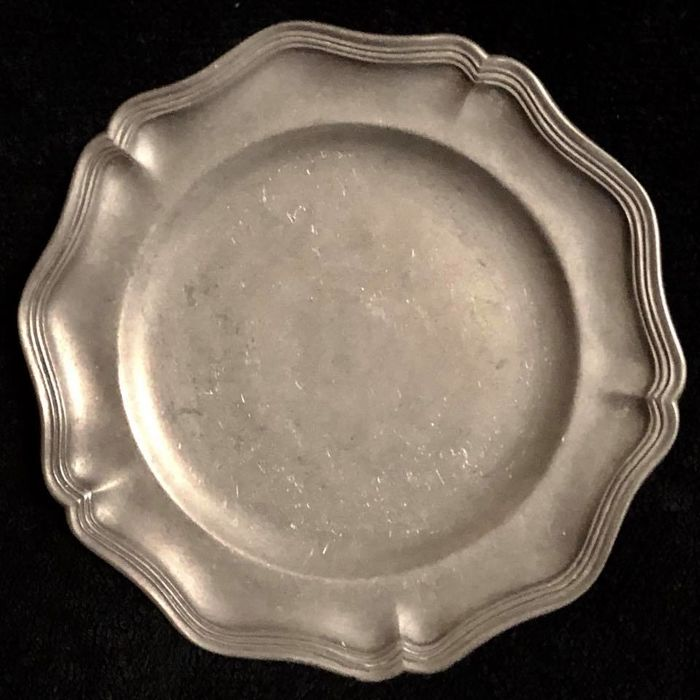 A , 18th - 19th  Century , french , genuine solid and heavy pewter ,  circular dish ,  Louis XVI style , hand marked and with seal with royal crown
