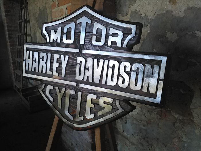 Harley Davidson bar & shield logo in wood, with metal lettering