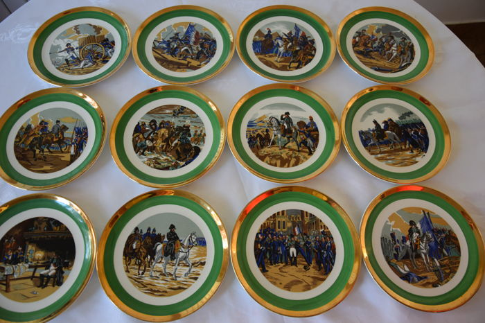 GIEN - 12 dessert plates of the bicentenary of the coronation of Napoleon (1804-2004)