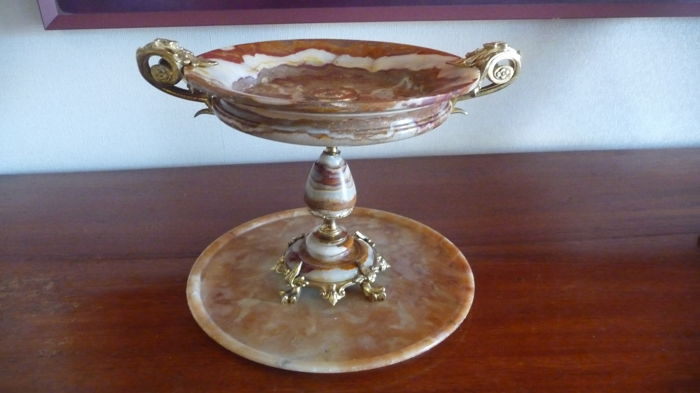 Bowl in veined marble, mount in gilded bronze, 19th