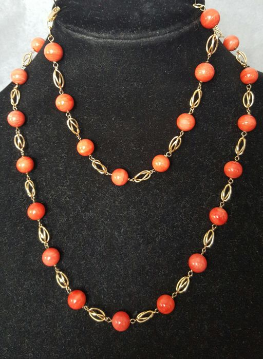 18 kt (750) gold - Necklace and matching bracelet composed of gold links and large natural red coral beads - 50.60 g