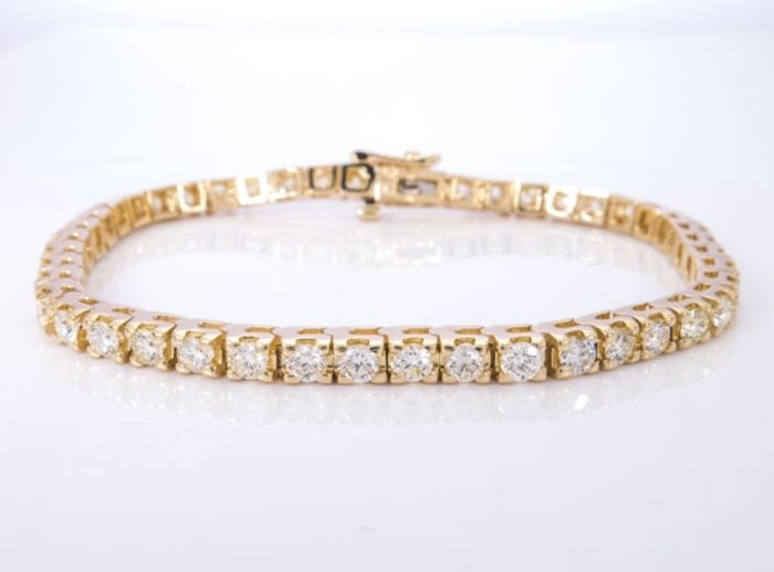 18k gold tennis bracelet with natural diamonds ct 4.50