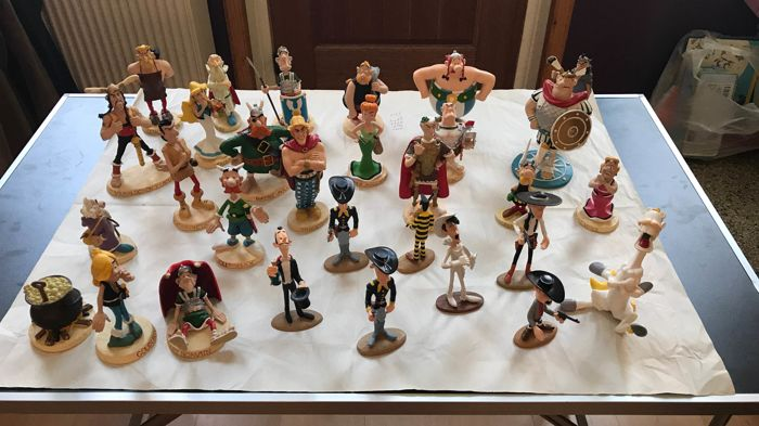 Asterix, Lucky Luke - 30 figurines  - (2000/2003)