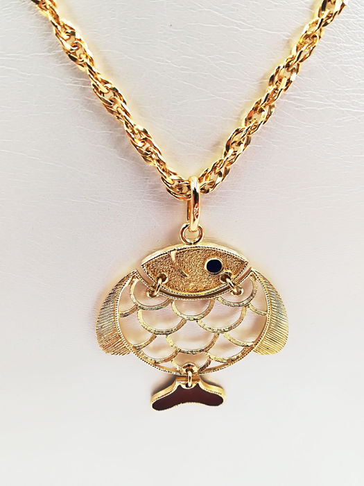 18 kt yellow gold necklace with fish pendant, length 70.00 cm, pendant length 3.50 cm, total weight 14.27 g