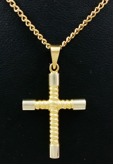 Curb chain necklace (69 cm) with cross in 18 kt white and yellow gold