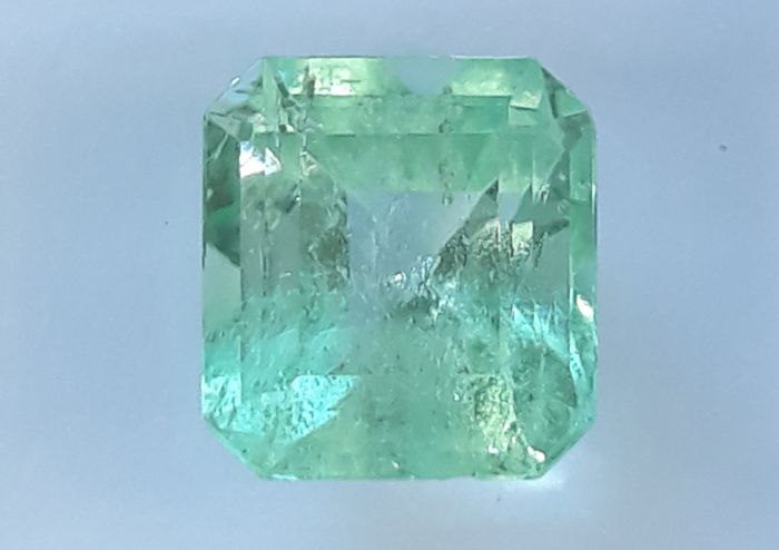 Emerald - 1.36 Carat - Green - No Reserve