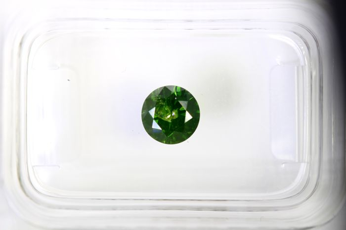 * NO RESERVE PRICE * - Fancy Deep Green  Diamond - ( Color Treated ) - 0.59 ct