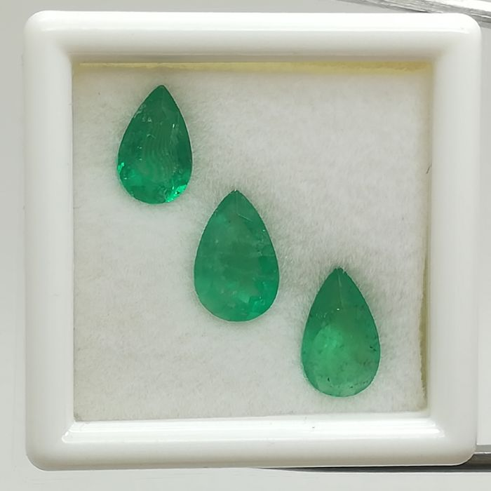 Lot of 3 Emeralds - 1.91 ct