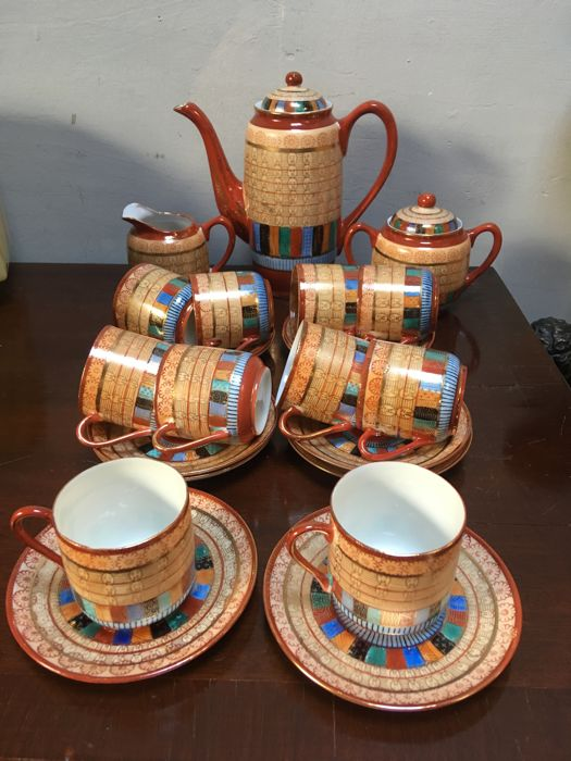 Particular decorated dinnerware set in fresh colours