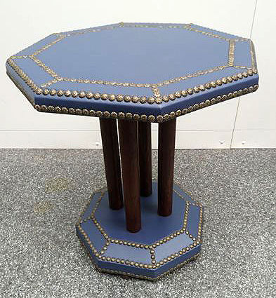 An octagonal Art Decos style side table - fully restored, France, ca. 1930