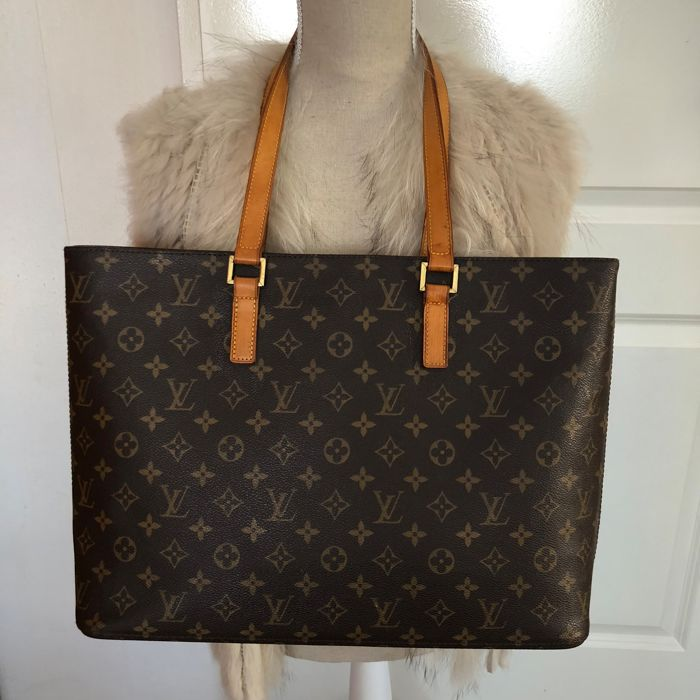 Louis Vuitton - Luco monogram GM  Shoulder bag