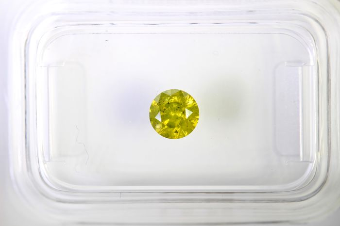 * NO RESERVE PRICE * - Fancy Intense Greenish Yellow Diamond - (Colour Treated) - 0.41 ct - Excellent cut