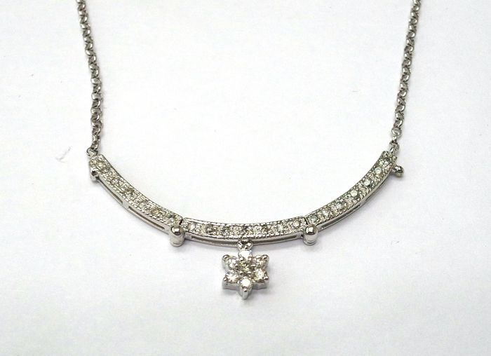 Two Way Wear 18k White Gold Necklace with 0.357ct Diamonds. Length: 44 cm