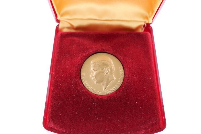 """Germany - medal """"Dr Georg Guilini 1858-1954"""" - gold"""