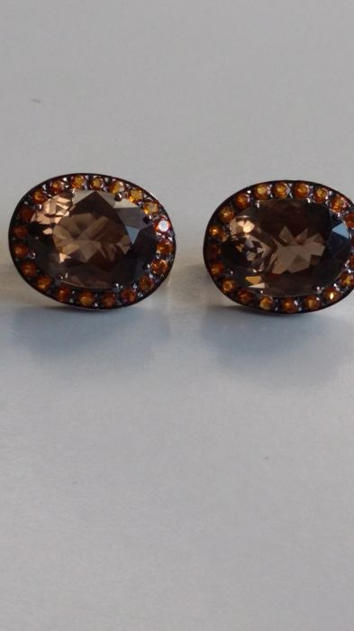 Pair of 18 kt white gold earrings with 20 orange citrine quartzes for 0.20 ct and two large smoky quartzes for 20.00 ct dimensions 12 x 16 mm