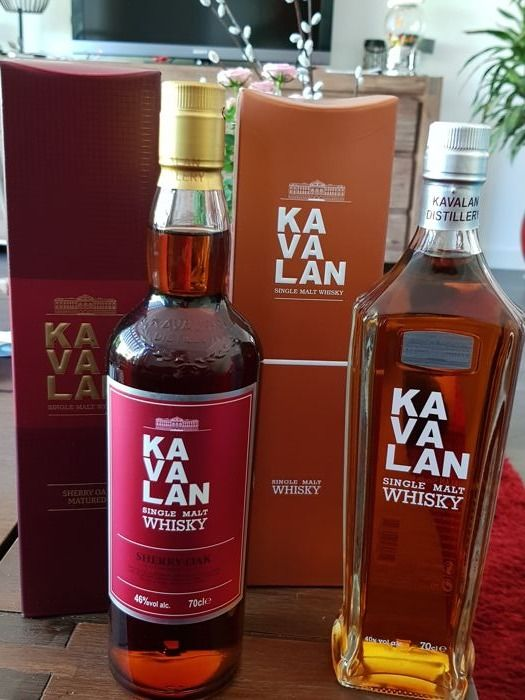 2 bottles - Kavalan sherry oak & Single Malt