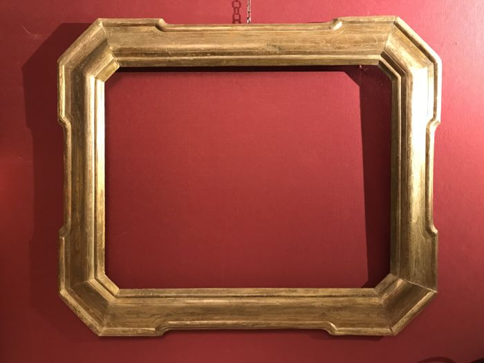 'Cabaret' frame in carved wood gilded with gold leaf and burin - Italy - 19th century