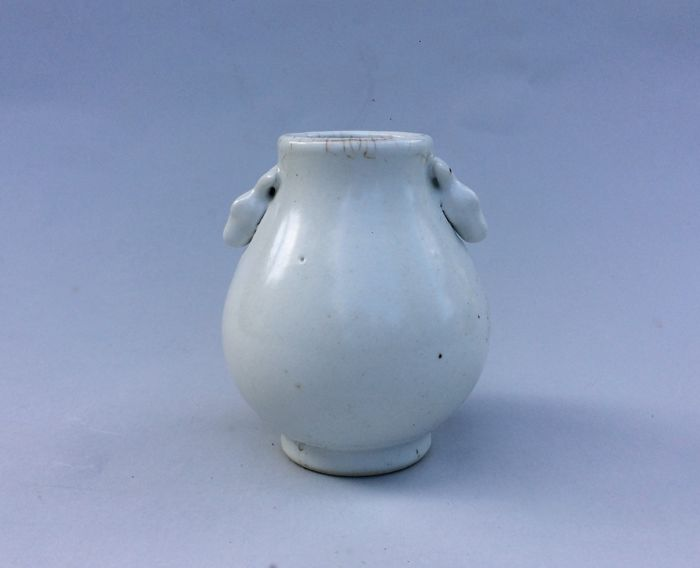 Chinese Ru style Porcelain Vase of White Glazed  - China - 21st Century