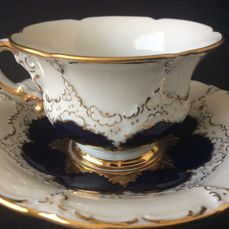 Meissen - Mocha cup and saucer in cobalt and gold
