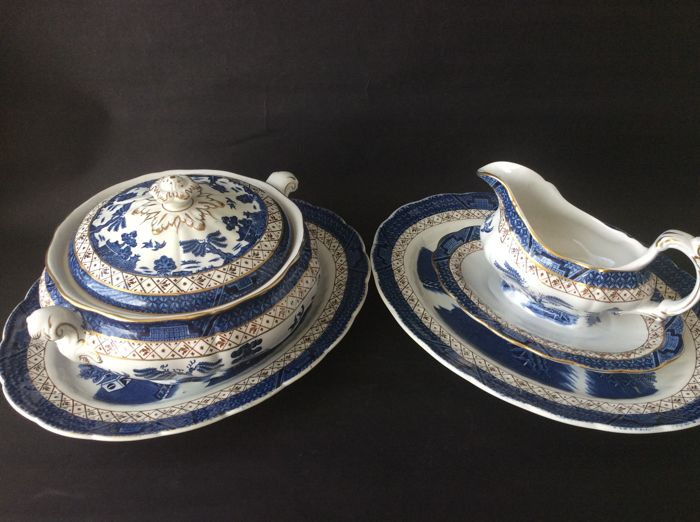 Royal Dalton Booths - Real Old Willow A8025 Terrine & Sauce boat & 2 bowls
