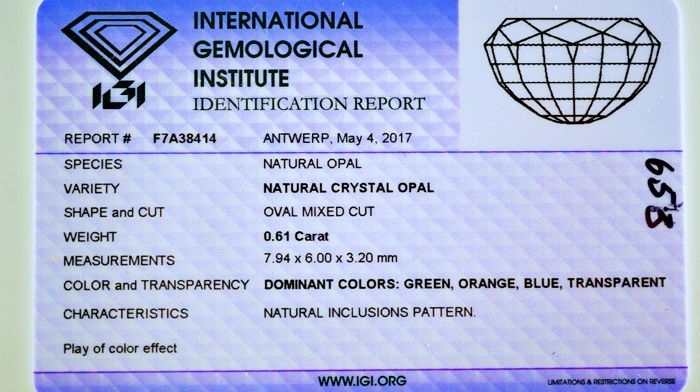 Crystal Opal - 0,61 ct - no limit price - Play of color