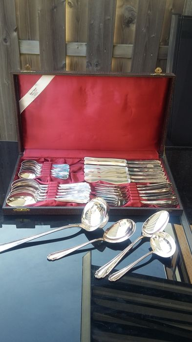 Gorgeous silver Rococo Bruckmann cutlery with 28 pieces for 6 people