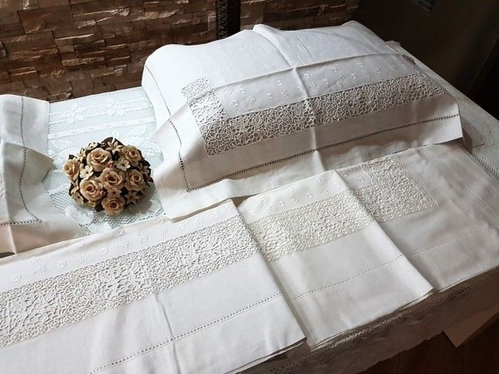 Precious Pure 100% Linen Bed Sheet With Embroidery In Needlepoint And  Angels, All Handmade