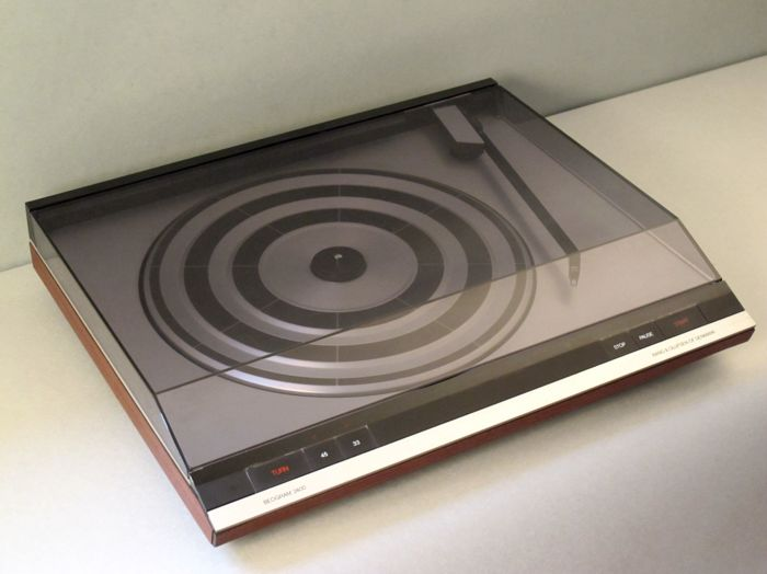 BeoGram 2200 B&O Bang & Olufsen record player