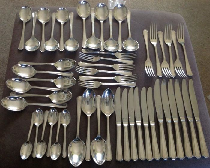 Set of 52 vintage cutlery items - silver plated - by Wr Epns A1