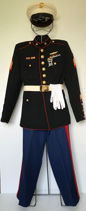 Complete Blue Dress uniform U.S. Marine Corps Sergeant - Vietnam & Korea