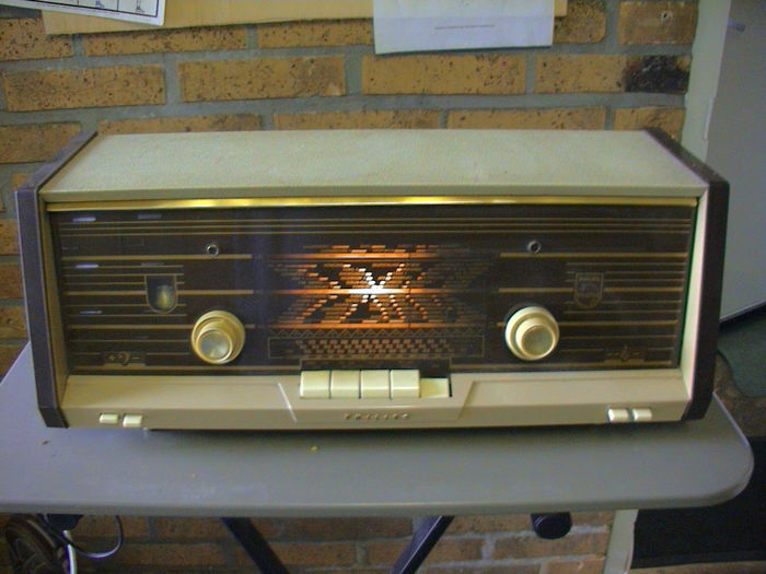 Phillips Tube radio
