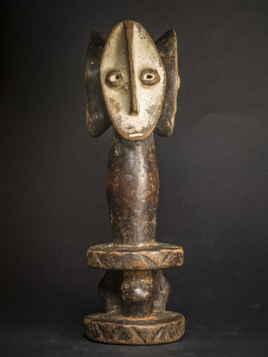 Maginga fetish in light-weighted polychrome wood - LEGA - D.R of Congo