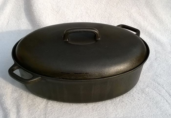 Sigurd Persson for Ronab Sweden - very large cast iron casserole / saucepan.