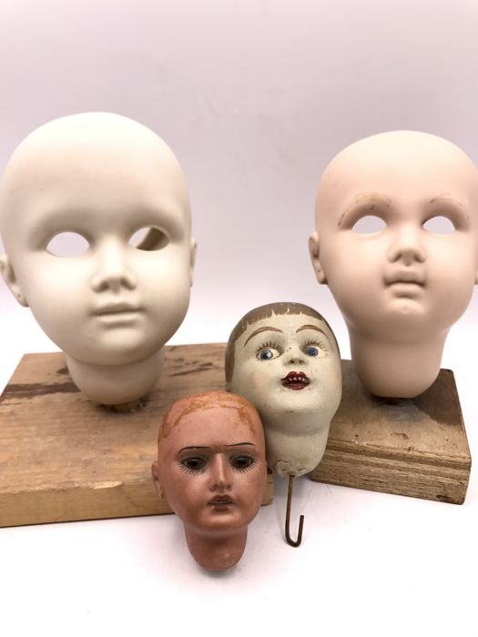 Six handmade porcelain children's doll's heads for restoration, including some by Armand Marseille - Germany - 20th century