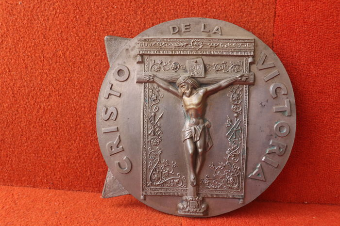 Metal medallion Cristo de La Victoria  - ca.1940 Spain