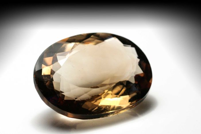 Topaz Orangey Brown – 20.59 ct