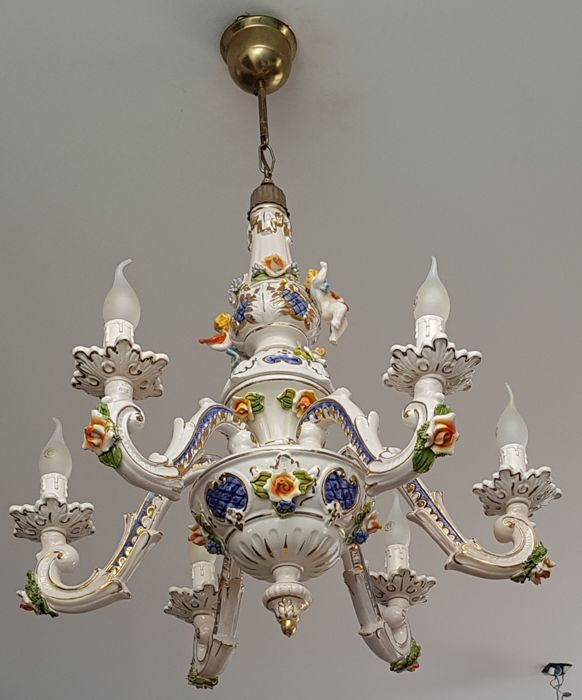 Autographed porcelain chandelier Capodimonte (Style) 2nd half of 20th century.