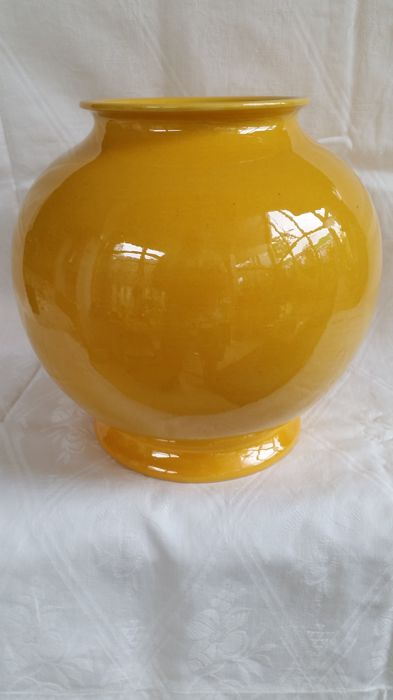 Adco Large Yellow Vase With A Height Of 21 Cm And Numbered 1020