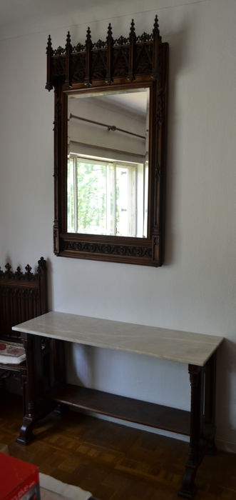 Set of mirror and Neo Gothic sideboard in mahogany wood, 19th century