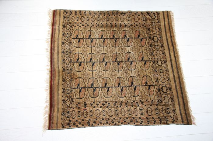 Antique Tekke Turkmen rug 115cm x 110cm