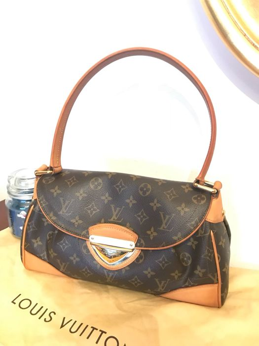 Louis Vuitton - Beverly MM Shoulder bag