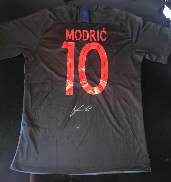 Signed Luka Modric Croatia World Cup 2018 Away Shirt Proof