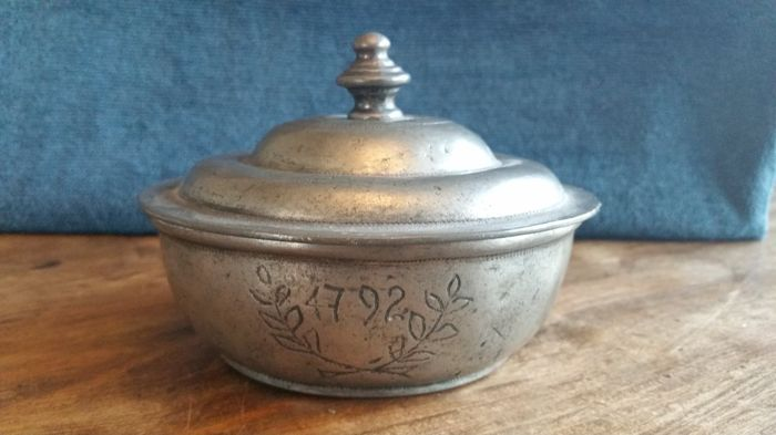 Tobacco jar - unknown origin - marked 1792 HM