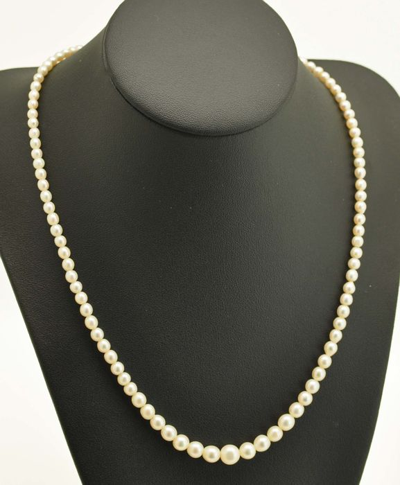 Art Deko sea/salty pearl Necklace with an 585 white/ yellow gold Clasp