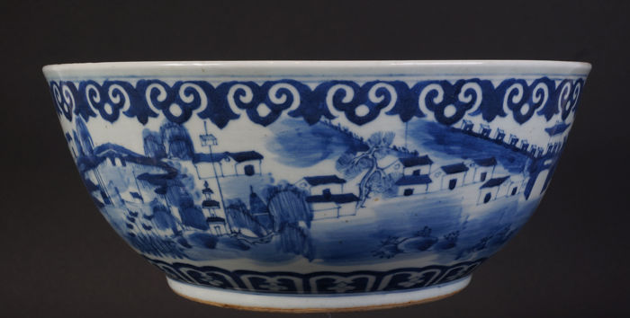 Large blue white bowl (31 cm) with dragon - China - 19th century (Daoguang period)