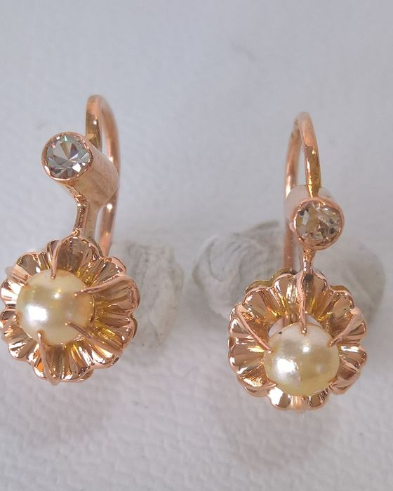 Pair of 19.25 kt Gold Earrings with Pearl – Antique